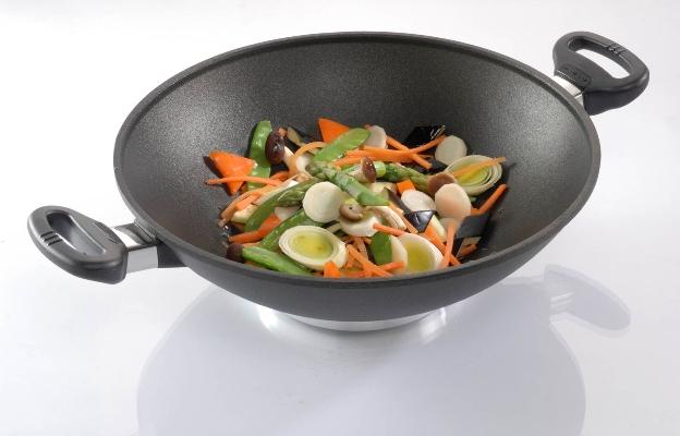 plasma titanový wok  32 cm s poklicí